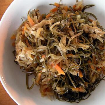 切り干し大根と刻み昆布の煮物
