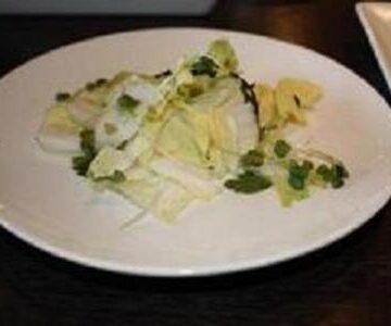 白菜と塩こんぶのゆずこしょうサラダ