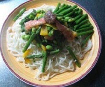 夏野菜のさっぱり梅麺
