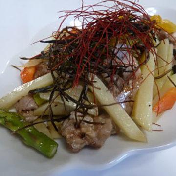 野菜たっぷり炒め 塩昆布のせ