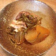豚バラ肉と大根、昆布の煮物