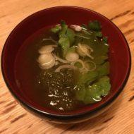 ベジブロスにとろろ昆布で即席スープ